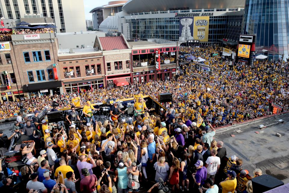 Music fans crowding the streets of Nashville