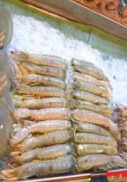 Visiter Talad Rot Fai Market à Bangkok 35-min