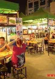 Visiter Neon Market à Bangkok – Marché de nuit 6-min