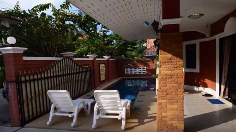 Villa-situé-à-Pattaya-1