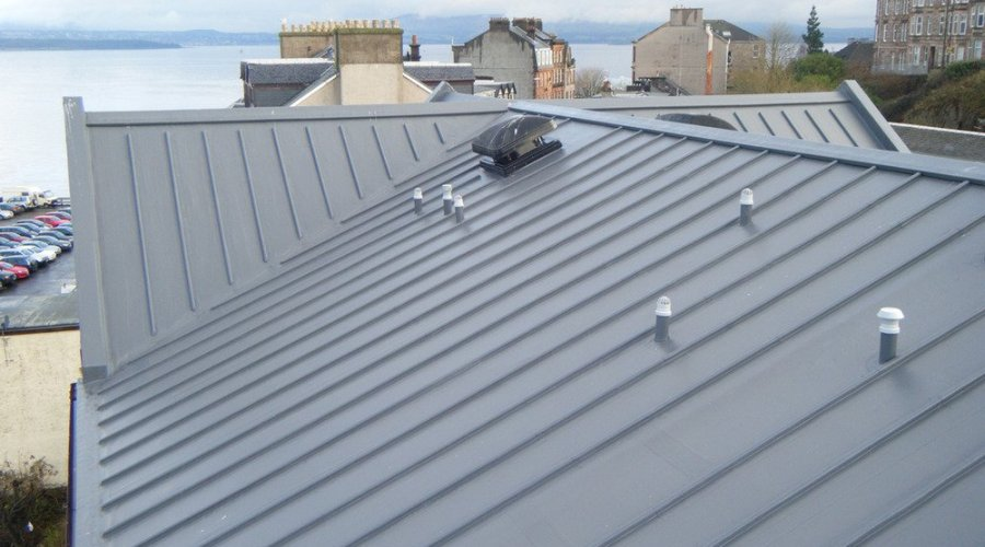 Wind-battered building's costly insurance claims for roof damage resolved with Sarnafil