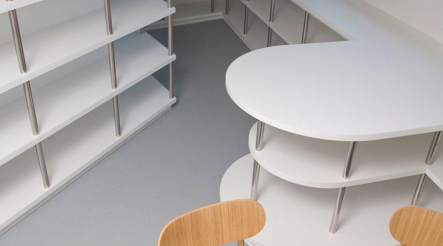 Altro floors and walls