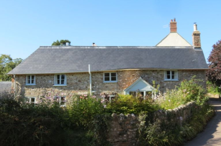 Duquesa slates give historic cottage a brand new look
