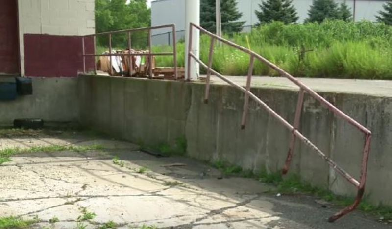 Guardrails and handrails