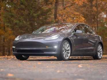 За взлом Tesla хакерам пообіцяли $2,5 млн