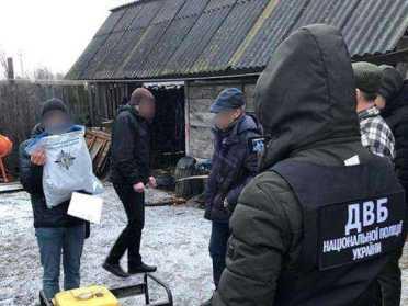 На Рівненщині бурштинокопачів затримали за напад на поліцейських
