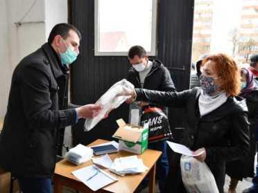 Лікарні Рівненщини отримали костюми біозахисту та респіратори