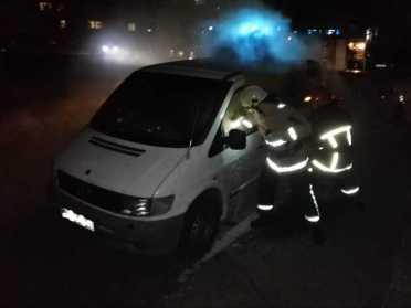 Вогнеборці на Рівненщині врятували від знищення вогнем приватне авто