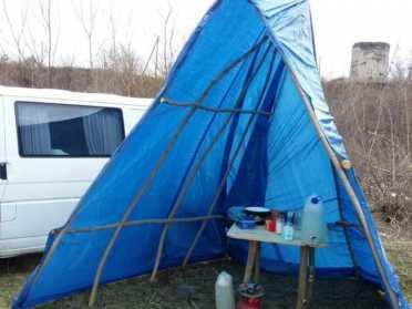 Житель Гощанщини живе у самоізоляції на березі Горині