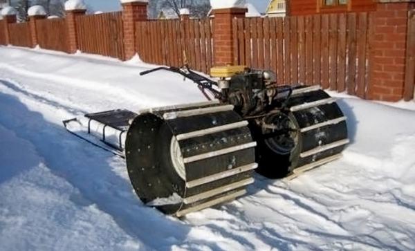 Снегоход из мотоблока: гусеничная приставка, своими руками ...