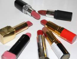 lipsticks arranged in a round format opened
