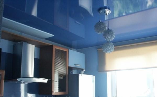 Что сначала делают натяжной потолок или клеят обои: до или ...
