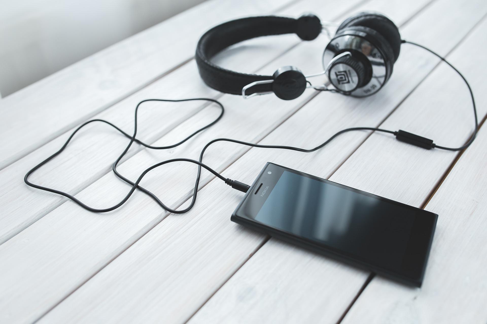 listening, headphones