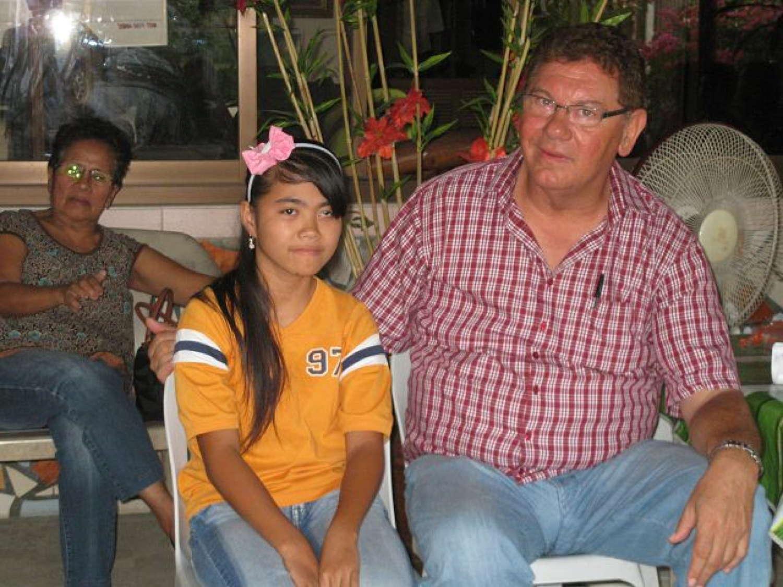 Hr Zeleny mit dem Taubstummen Ma dchen Evelyn