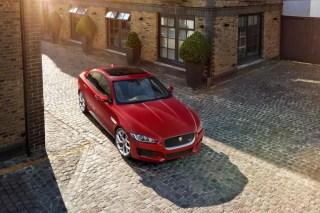 Jaguar XE sunroof