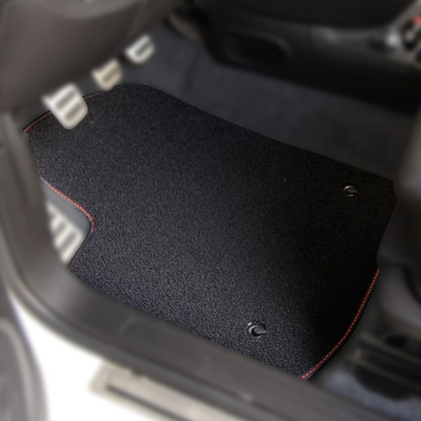 FIAT 500 Floor Mats by 500|SPEEDLAB Black with No Logo Driver