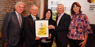 Speedpak Trainee Whitey Campbell with Speedpak CEO John P. Murphy receiving award from Minister Richard Bruton T.D. pictured with Deirdre Mortell (CEO, SIFI)