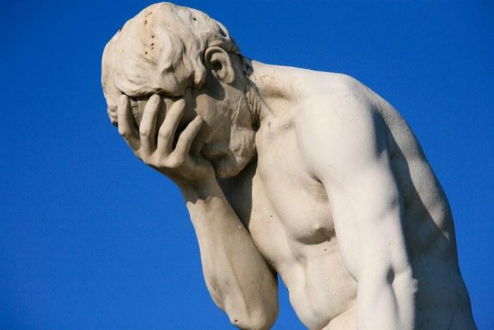 Paris Tuileries Garden Facepalm statue1 FOMC w cieniu wyników finansowych i danych makro   DAX Futures