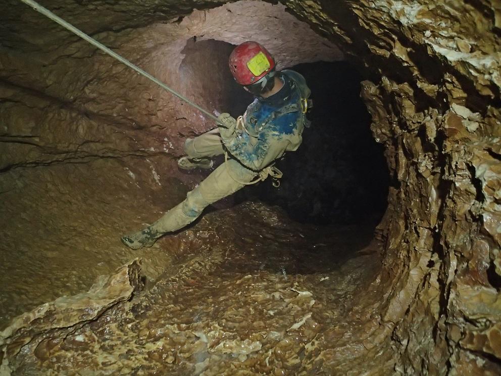 Julien dans le puits de Damoclès