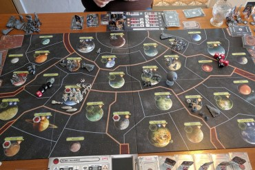 Rebellflottan samlas i systemet bredvid Sollust.