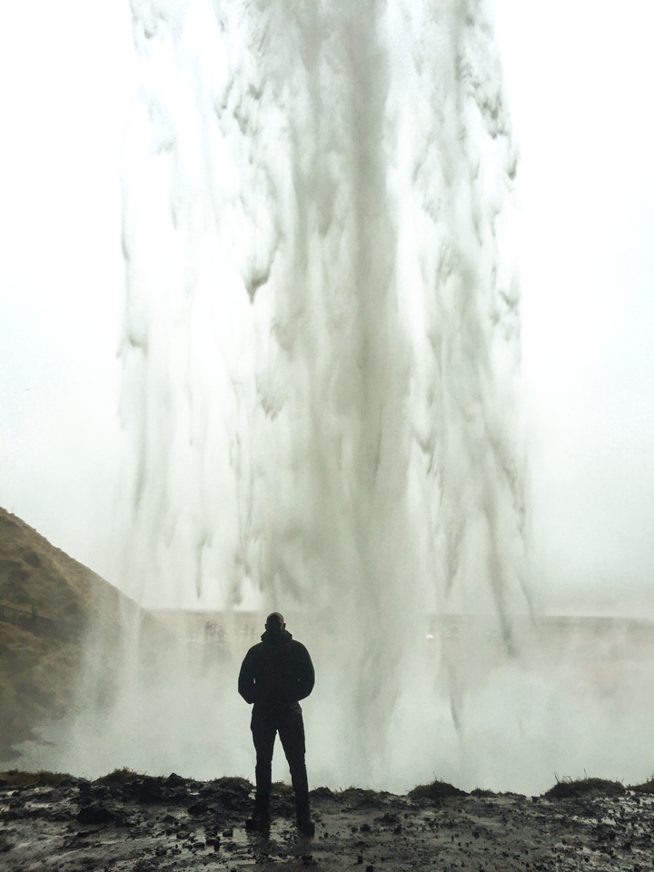spellbound travels Seljalandsfoss waterfall