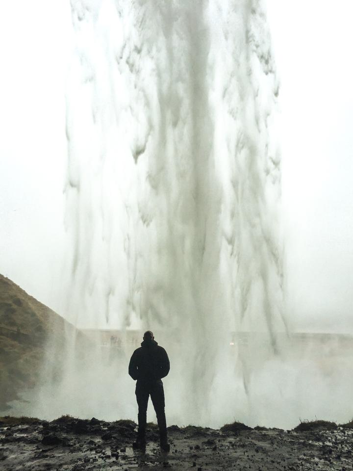spellbound travels Seljalandsfoss waterfall
