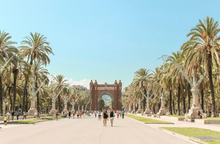 spellbound travels barcelona arc de triomf