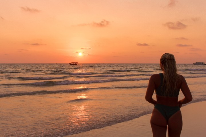 spellbound travels koh rong beach sunset