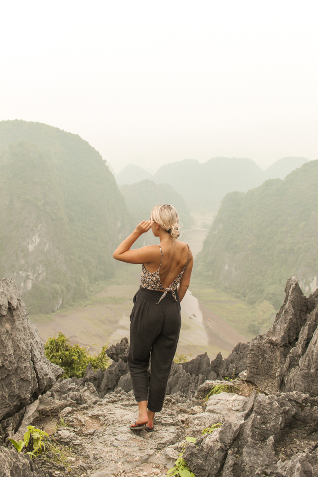 spellbound travels hang mua caves