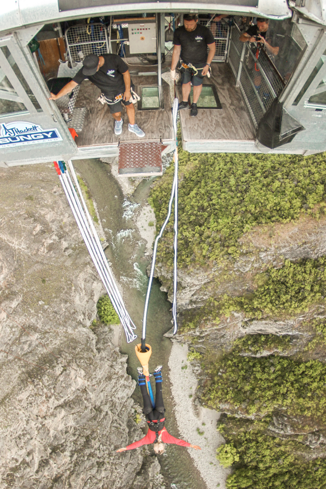 spellbound travels bungee jumping new zealand