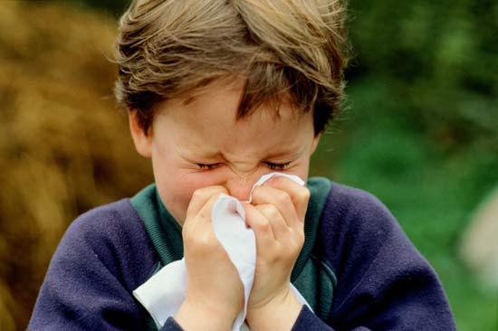 kid-sneezing