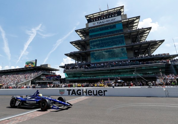 Pigot Leads Indianapolis 500