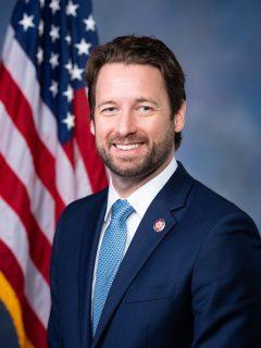https://i1.wp.com/spencerwetmore.com/wp-content/uploads/2020/07/Joe_Cunningham_Official_Porrtait_116th_Congress-e1595176213454.jpg?resize=240%2C320&ssl=1