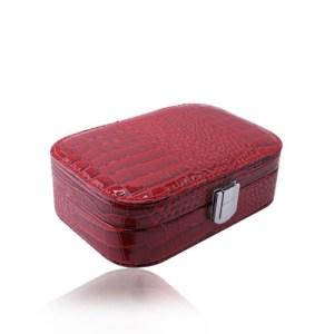 Červená šperkovnica z imitácie krokodílej kože - obdĺžnikový tvar