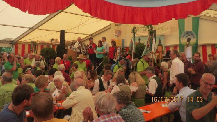 Wimpelwanderung 2017 nach Obernau Einzug