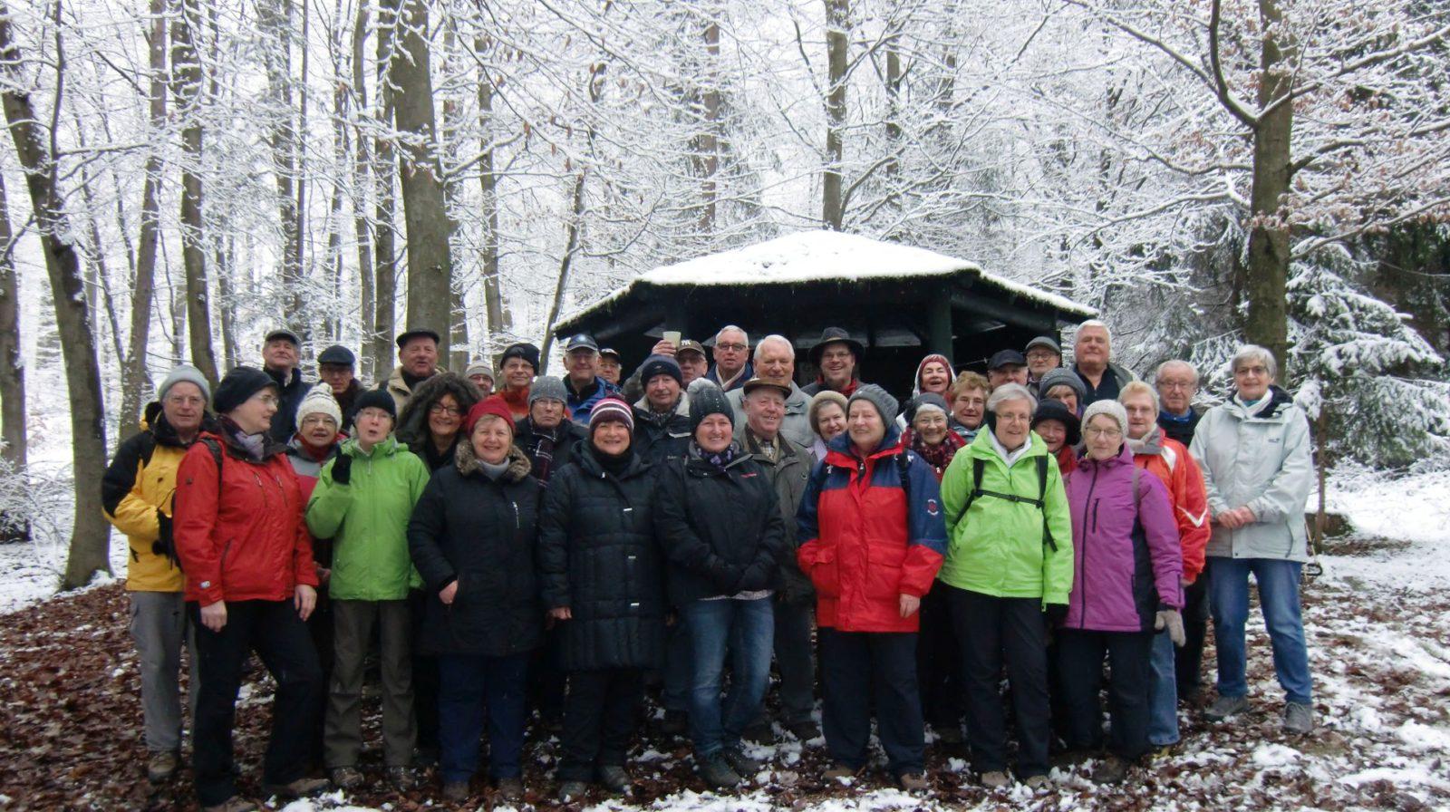 Trotz Schneeregen - viele Teilnehmer