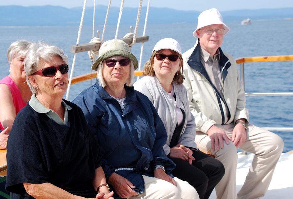 Margareta, Berith, Christina och Uno njuter av båtresan till Brac.