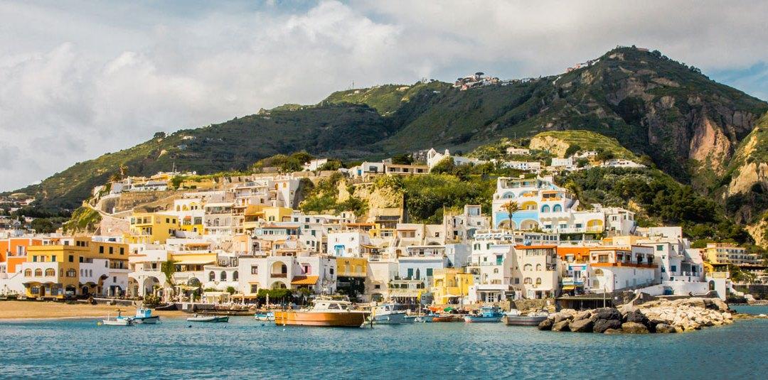 Elena Ferrantes Italien – Neapel, Amalfikusten och Ischia – 2019