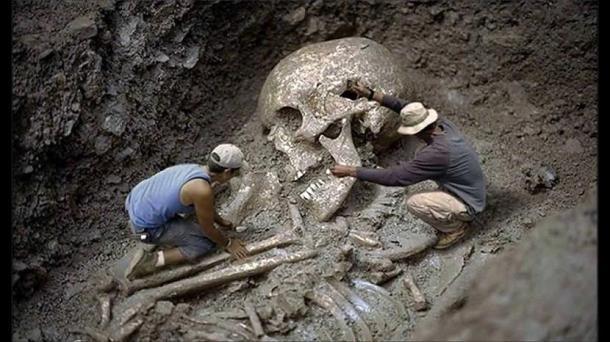 bdquoBriesmīgi ka kaut kas... Autors: LordsX Smitsona institūts atzinies vairāku tūkstošu gigantisku skeletu iznīcināšanā.