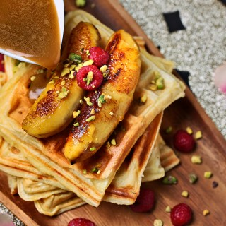 Waffles Salted Caramel and Grilled Bananas