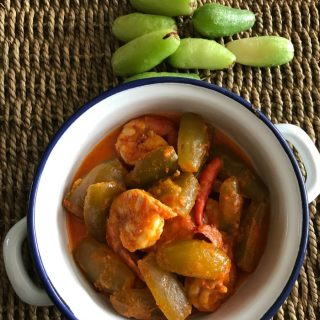Sambal Prawns with Belimbing