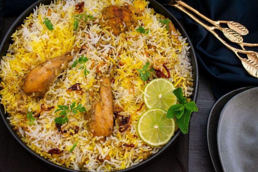 Chicken Dum Biryani (Murg Biryani)