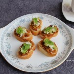 CHICKEN CROSTINI