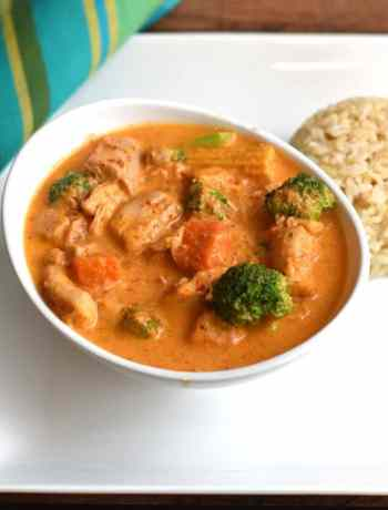 Instant Pot Thai Panang Chicken Curry by Spice Cravings. Thai Panang Curry is a rich, mildly spicy and creamy coconut curry with Chicken, Seafood or Tofu (Vegetarian). This recipe uses the instant pot. #food #foodie #foodblogger #delicious #recipe #instantpot #recipes #easyrecipe #cuisine #30minutemeal #instagood #foodphotography #tasty #curry