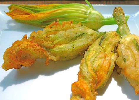 Recipe 1884s Fried Zucchini Blossoms Stuffed With Goat