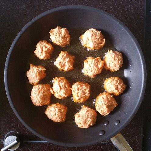 carrot bhaji frying in pan