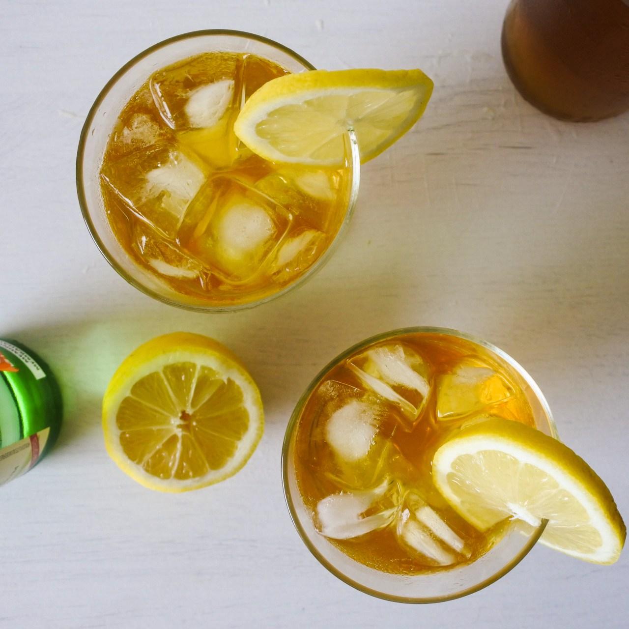 Korean Iced Tea cocktails with lemon slices