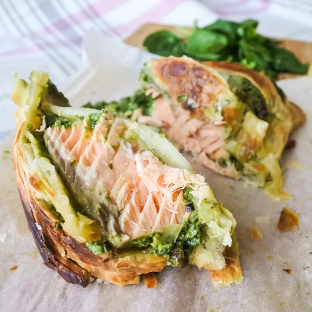 slices of salmon en croute