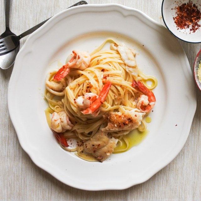 Spicy Seafood Linguine 10