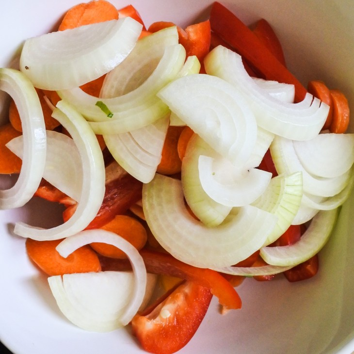 sliced onions, bell peppers and carrot